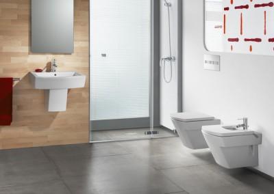 Hall Bathroom Suite